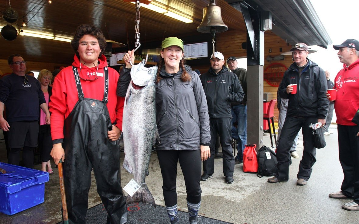 QCL experience weighing the catch at the Bell Ringer